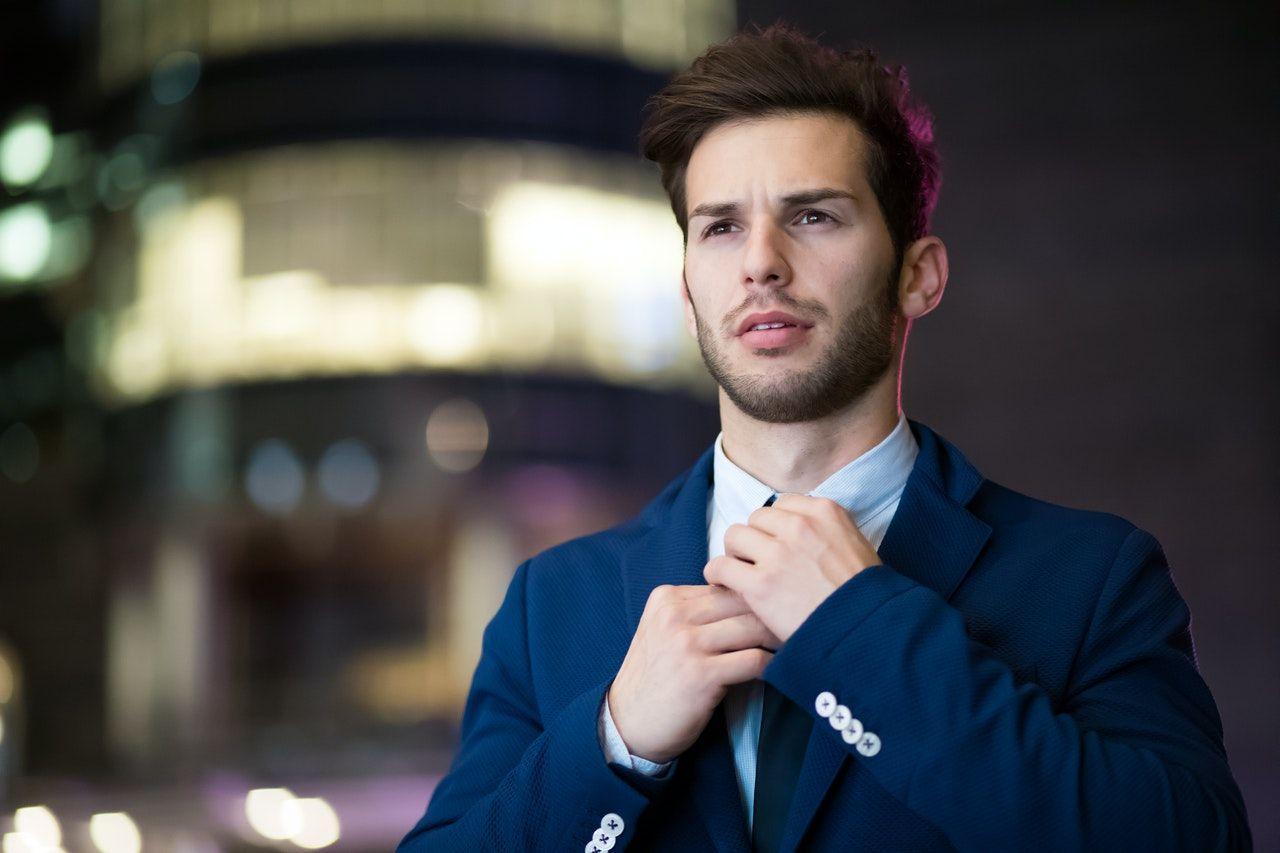 Čím by sa mal odlišovať módny a elegantný muž?