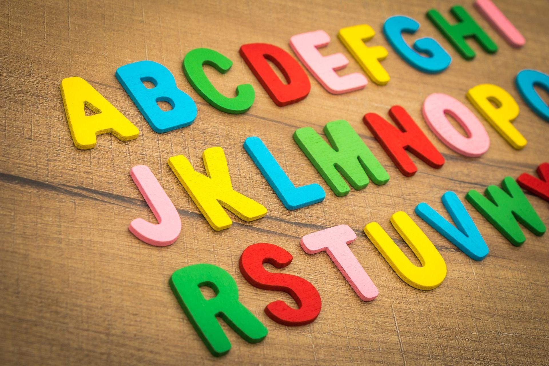 Farebná abeceda vo veršoch