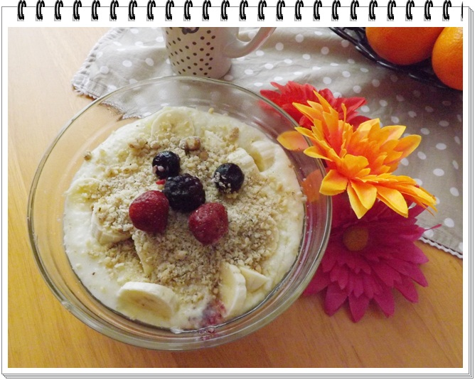 Pšenová kaša s ovocím, orieškami a medom