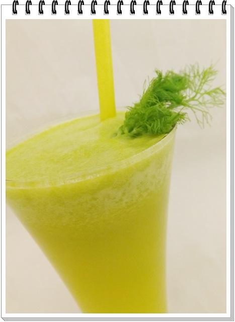 Ananásovo-feniklový nápoj