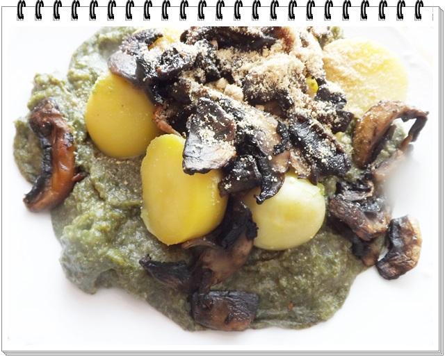 Špenátový prívarok so zemiakmi a šampiňónmi