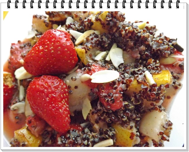 Quinoa s hruškou a jahodami