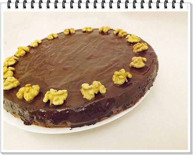 Cviklovo-karobová torta