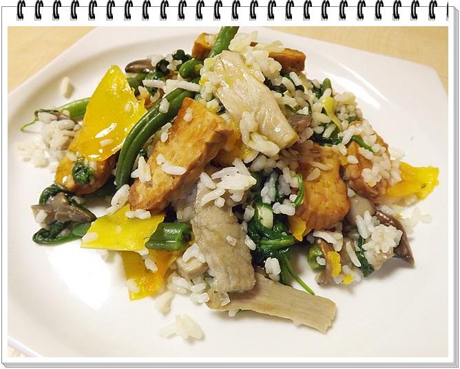 Teplý ryžový šalát s jesennou zeleninou