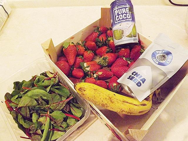 Ranné ovocno-listové smoothie