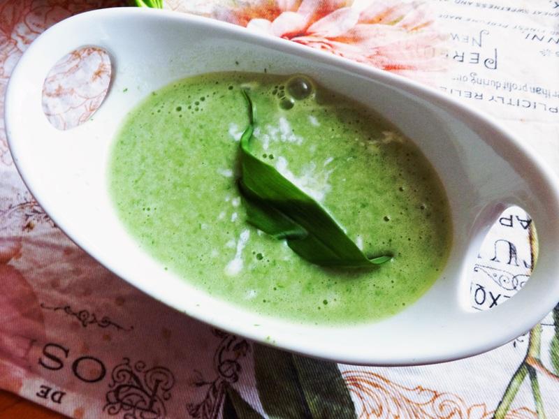 Špargľovo-hrášková krémová polievka