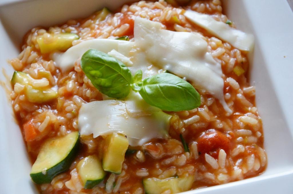 Rizoto s cuketou a paradajkami