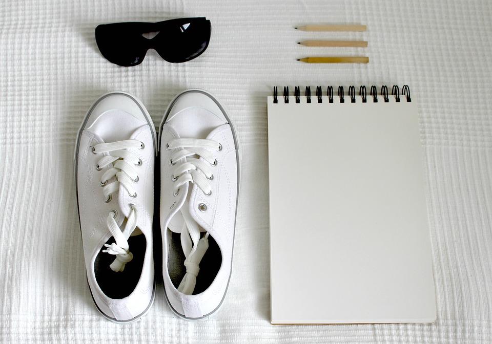 DIY: Dajte nový letný look svojim plátenkám!