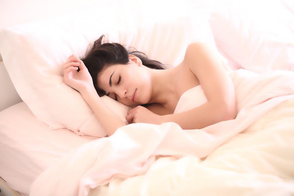 Sladké sníčky alebo šijeme masku na spanie