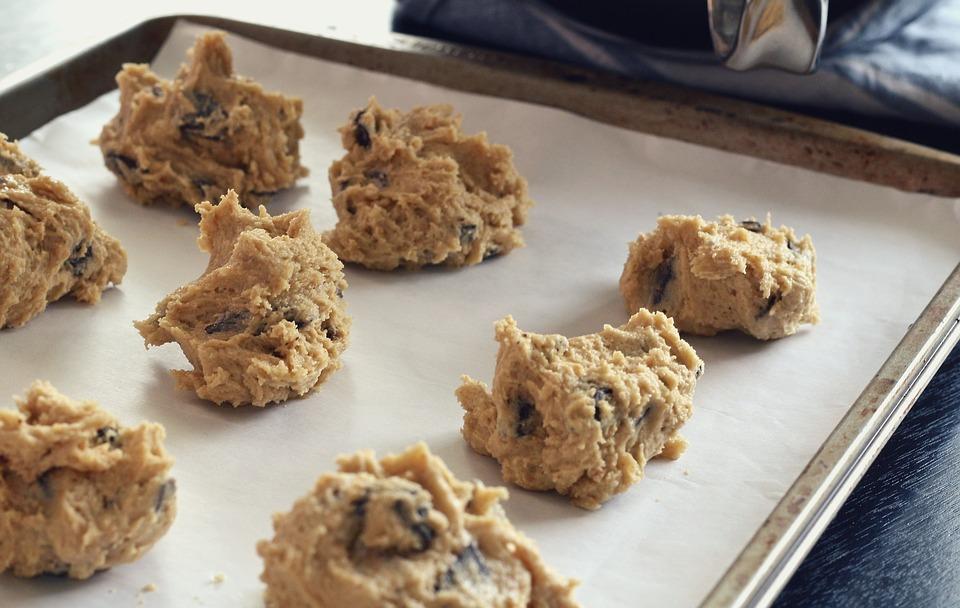 Nepečené arašidové keksíky