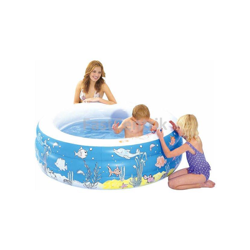 Zábava na záhrade sdetskými bazénmi